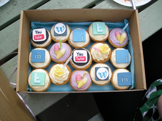 35-social-media-and-cupcakes